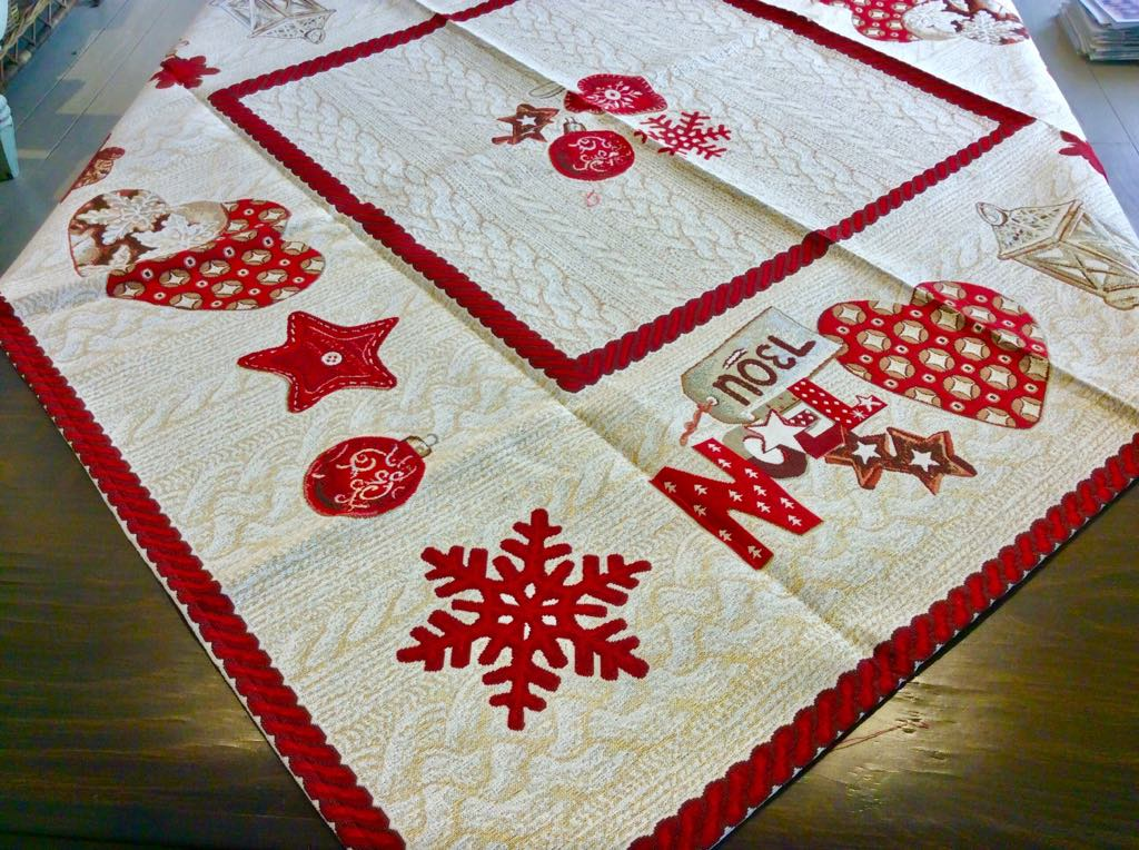 Christmas Tablecloth Red  90cm x 90cm  Cotton Traditional Table Decoration
